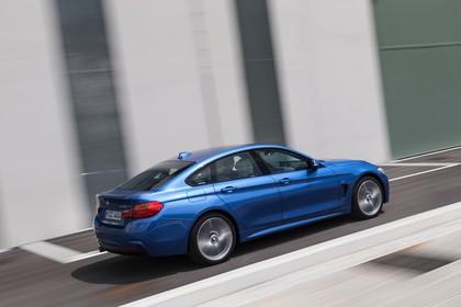 BMW 4er Gran Coupe F36 Aussenansicht Seite schräg erhöht dynamisch blau