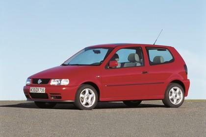 VW Polo 3 Dreitürer 6N Aussenansicht Seite schräg statisch rot