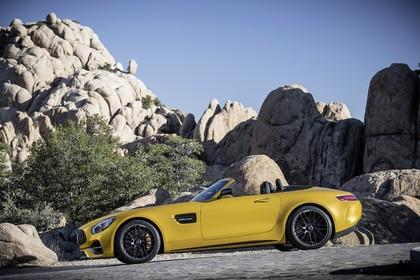 Mercedes-AMG GT C Roadster C190 Aussenansicht Seite statisch gelb