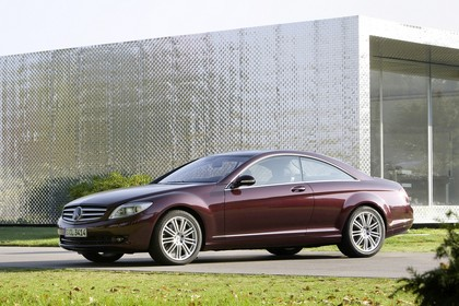 Mercedes CL C216 Aussenansicht Front schräg statisch rot