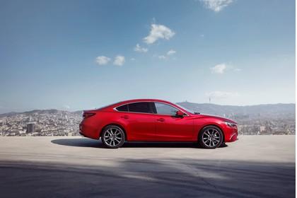 Mazda 6 Limousine GJ Aussenansicht Seite statisch rot