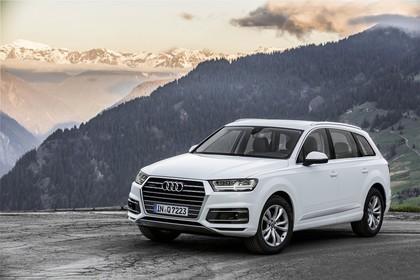 Audi Q7 4M Aussenansicht Front schräg statisch weiss