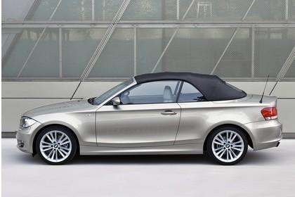 BMW 1er Cabriolet E88 Aussenansicht Seite statisch grau