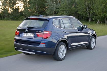 BMW X3 F25 Aussenansicht Heck schräg dynamisch blau