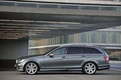 Mercedes-Benz C-Klasse T-Modell S204 MoPf Aussenansicht Seite statisch grau