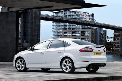 Ford Mondeo Mk4 Facelift Aussenansicht Seite schräg statisch weiss