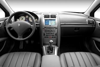 Peugeot 407 6 Limousine Innenansicht statisch Studio Vordersitze und Armaturenbrett