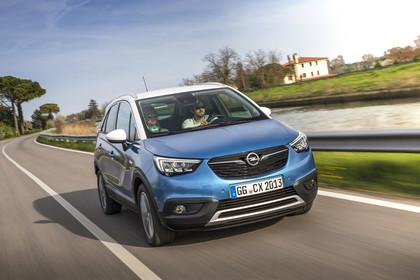 Opel Crossland X C Aussenansicht Front schräg dynamisch blau