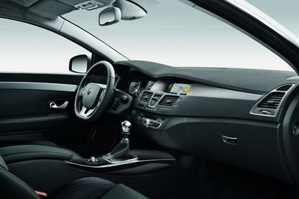 Renault Laguna Coupé T Facelift Innenansicht statisch Studio Vordersitze und Armaturenbrett beifahrerseitig
