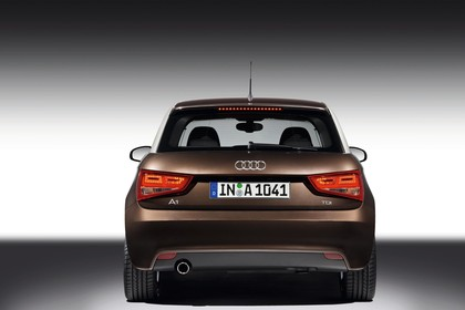 Audi A1 Aussenansicht Heck Studio statisch braun