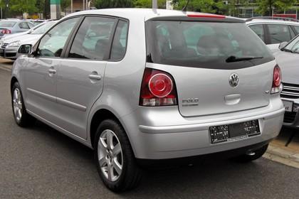 VW Polo 9N Fünftürer Facelift Aussenansicht Heck schräg statisch grau