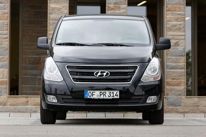 Hyundai H-1 Travel TQ Aussenansicht Front statisch schwarz