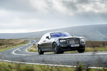 Rolls-Royce Ghost Aussenansicht Front schräg dynamisch schwarz