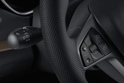 Lada Vesta Innenansicht statisch Studio Detail Muktifunktionslenkrad