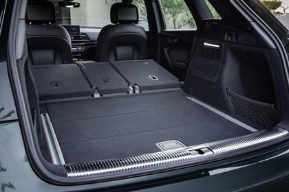 Audi Q5 FY Innenansicht statisch Kofferraum Rücksitze umgeklappt
