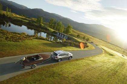Subaru Outback Aussenansicht Heck schräg erhöht dynamisch grau