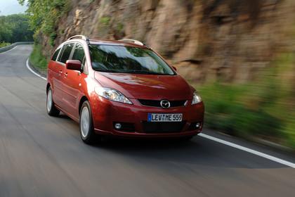 Mazda 5 Aussenansicht Front schräg dynamisch rot