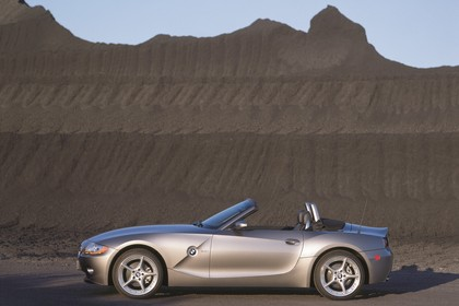 BMW Z4 Roadster E85 Aussenansicht Seite statisch grau