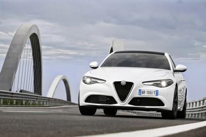 Alfa Romeo Giulia ZAR 952 Aussenansicht Front schräg statisch weiss