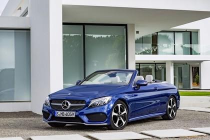 Mercedes-Benz C-Klasse Cabriolet A205 Aussenansicht Front schräg statisch blau
