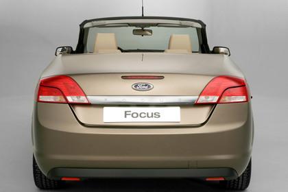 Ford Focus MK2 Cabrio Studio Aussenansicht Heck statisch braun