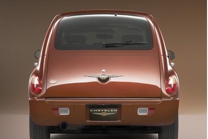 Chrysler PT Cruiser Facelift Aussenansicht Heck statisch Studio braun