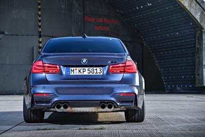 BMW M3 F80 Aussenansicht Heck statisch blau