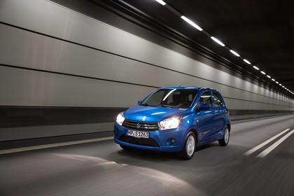 Suzuki Celerio Aussenansicht Front schräg dynamisch blau