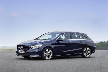Mercedes CLA Shooting Brake X117 Aussenansicht Front schräg statisch blau