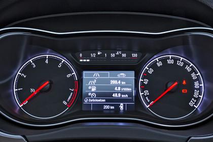 Opel Corsa E 5Türer Innenansicht Detail Kombiinstrument statisch schwarz