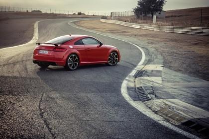 Audi TT RS 8S Roadster Aussenansicht Seite schräg statisch rot
