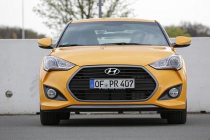 Hyundai Veloster FS Aussenansicht Front statisch gelb