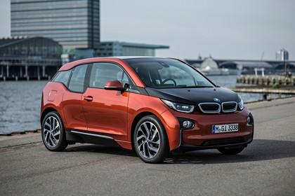 BMW i3 Aussenansicht Fron schräg statisch orange
