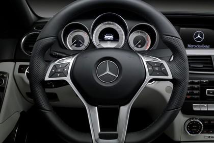 Mercedes-Benz C-Klasse T-Modell S204 MoPf Innenansicht statisch Studio
