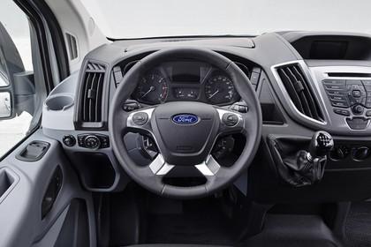 Ford Transit Mk7 Innenansicht statisch Fahrersitz und Armaturenbrett fahrerseitig