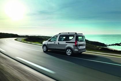 Dacia Dokker SD Aussenansicht Seite schräg dynamisch silber