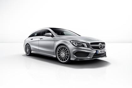 Mercedes-AMG A 45 X117 Aussenansicht Front Studio schräg statisch grau