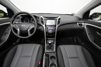 Hyundai i30 Coupe GD Innenansicht statisch schwarz