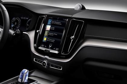 Volvo XC60 U Innenansicht statisch Studio Mittelkonsole