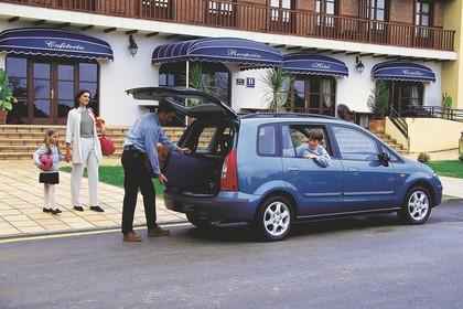 Mazda Premacy CP Aussenansicht Heck schräg statisch blau