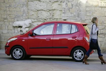 Hyundai i10 Aussenansicht Seite statisch rot