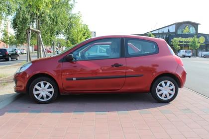 Renault Clio Dreitürer R Aussenansicht Seite statisch rot
