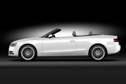 Audi A5 Cabrio Aussenansicht Seite Dach geöffnet Studio statisch weiss
