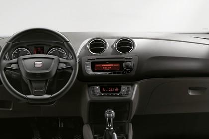 SEAT Ibiza 6P Innenansicht Armaturenbrett fahrerseitig
