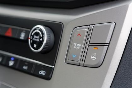 Hyundai H-1 Travel TQ Innenansicht Detail statisch grau Armaturenbrett