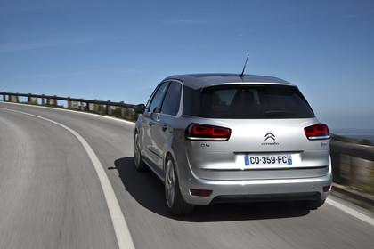 Citroën C4 Picasso 2 Aussenansicht Heck schräg dynamisch silber