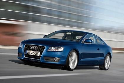 Audi A5 Coupe Aussenansicht Front schräg dynamisch blau