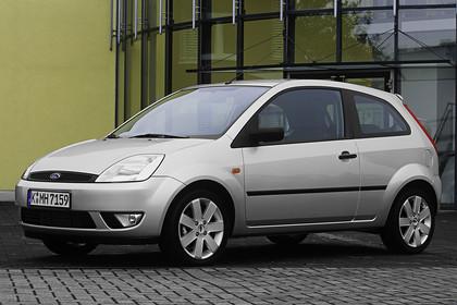 Ford Fiesta MK6 Aussenansicht Front schräg statisch silber
