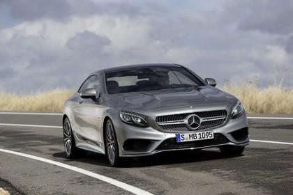 Mercedes-Benz S-Klasse Coupé C217 Aussenansicht Front schräg dynamisch grau