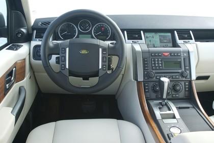 Land Rover Range Rover Sport LS Studio Innenansicht Fahrerposition statisch beige schwarz